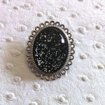 Broche-Cosmic-Space-Black